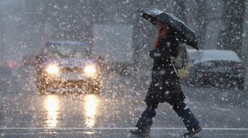 Se schimbă vremea – Ploi puternice și ninsori în următoarele zile