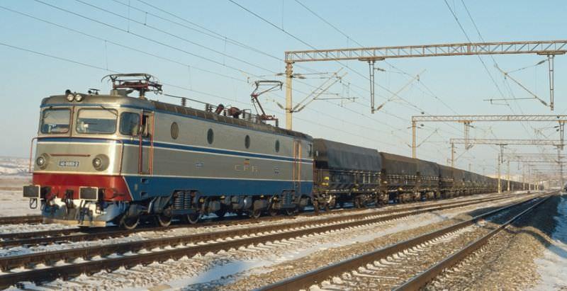 """Sindicalist: """"Trenurile de marfă circulă cu 17 kilometri pe oră din lipsa investițiilor"""""""